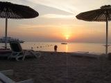 Рассвет на пляже отеля Холидей Инн, Сафага, Египет